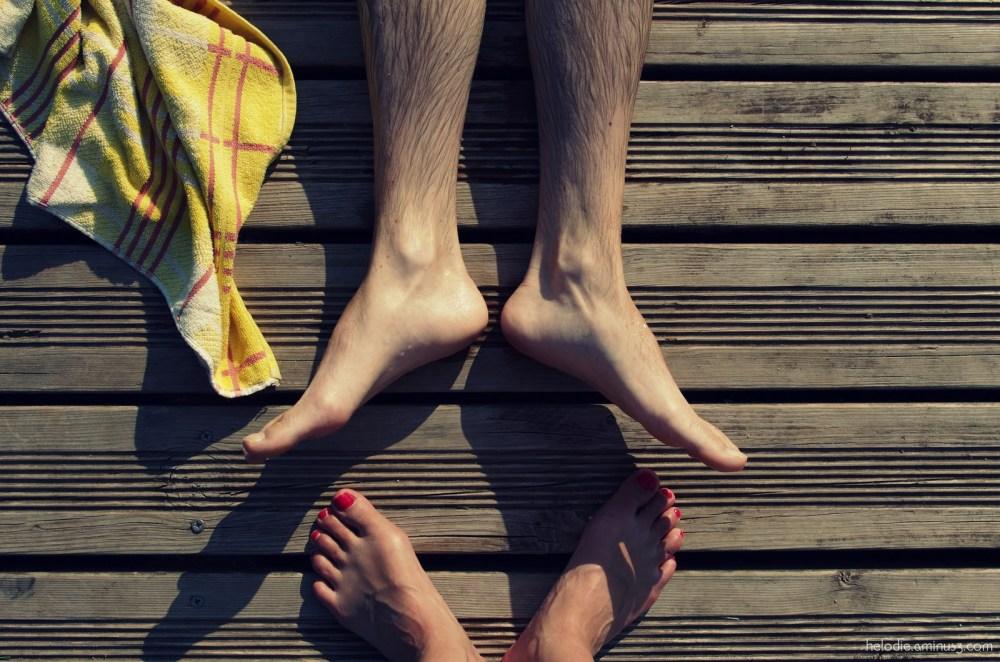 Les 2 pieds² à la serviette jaune