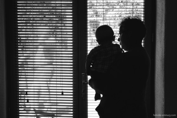 elodie hergoualch fenêtre silhouette bébé