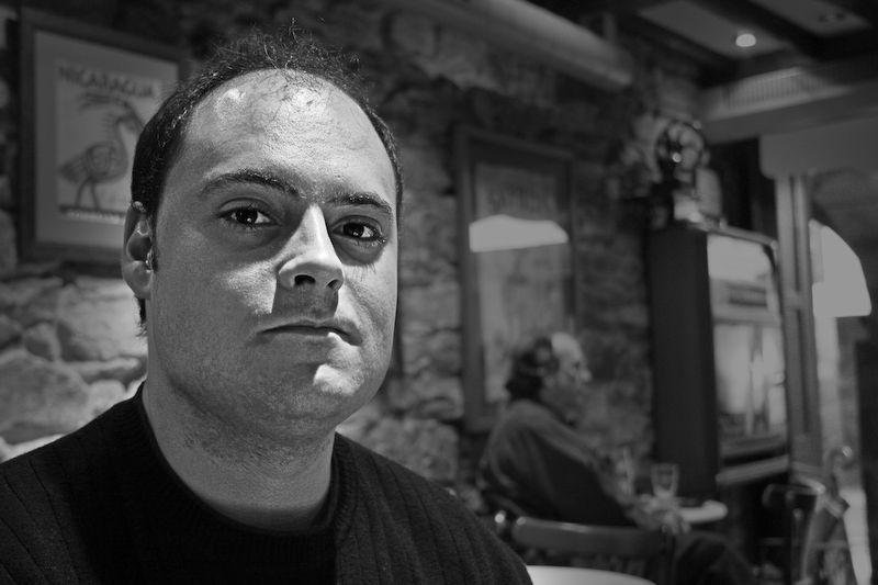 José Ramón en un bar de Santiago