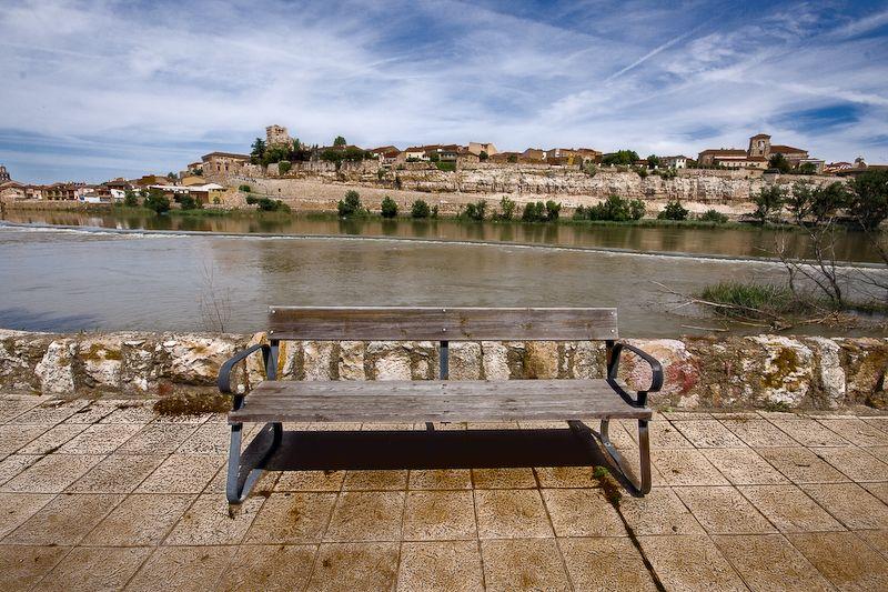 Banco junto al Duero, en Zamora