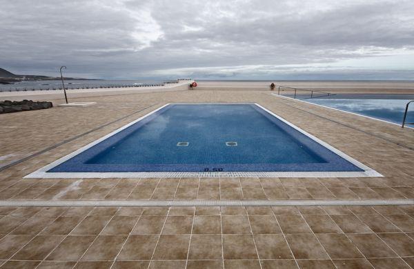 Piscina junto al mar en Garachico