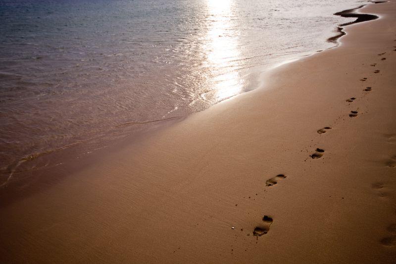 Huellas en la playa de Santa Cruz de Tenerife