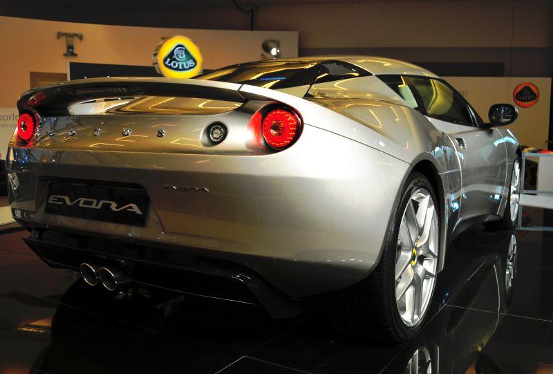 Lotus -r3/4view