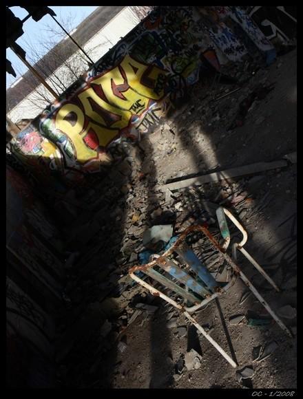 chair tag artist paints grafitti