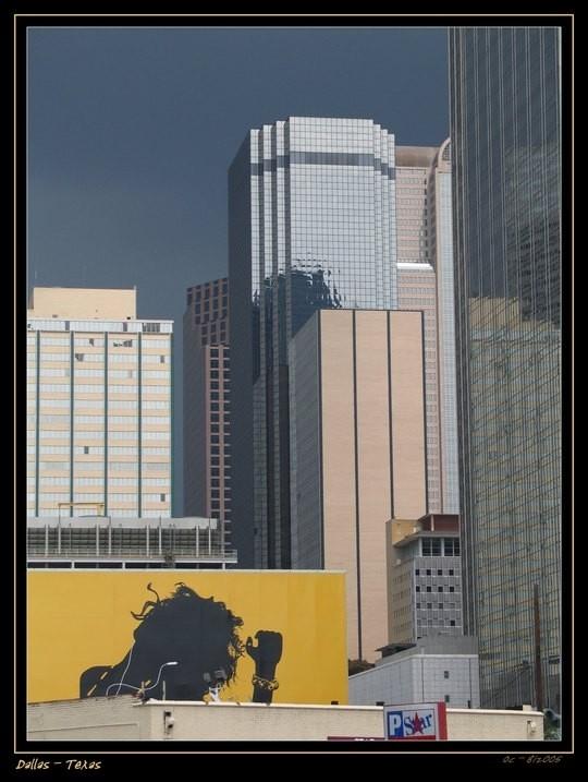 building Dallas Texas Cityscape light