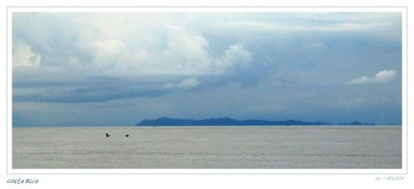 Sea in Costa Rica, Islands, Clouds and birds