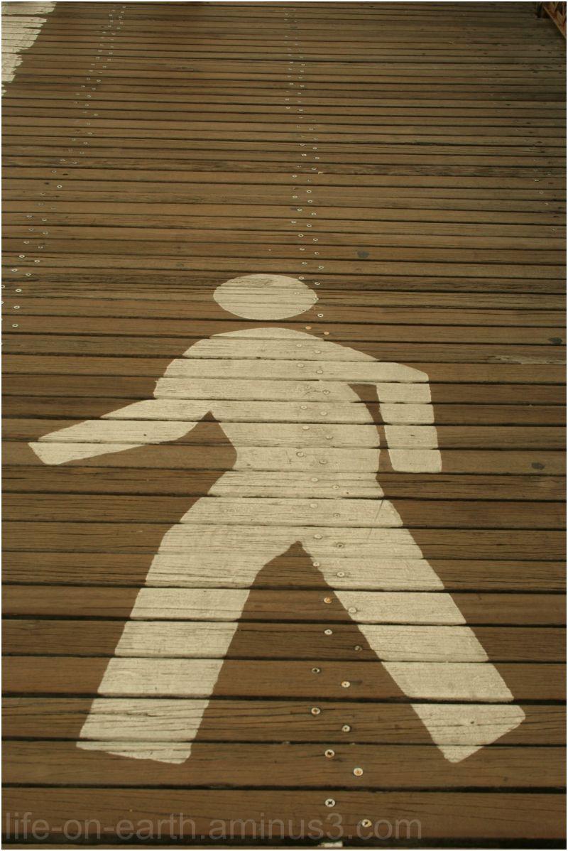 A walk sign