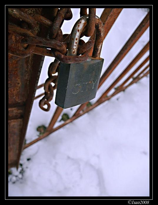 Le cadenas et la neige