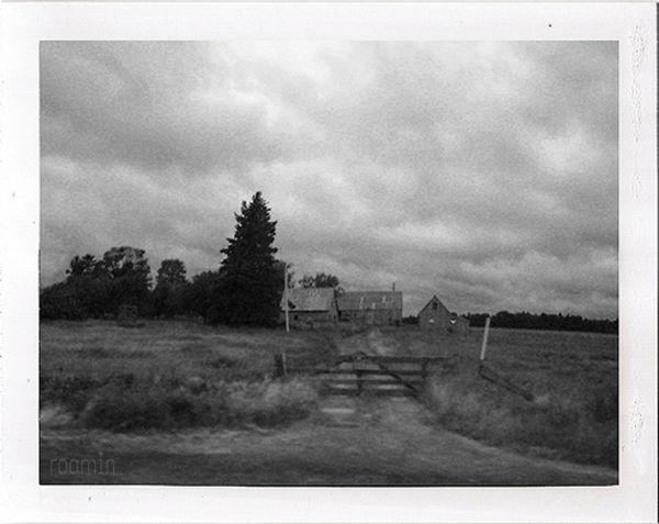 farm farmhouse barn drive fields abandoned roamin