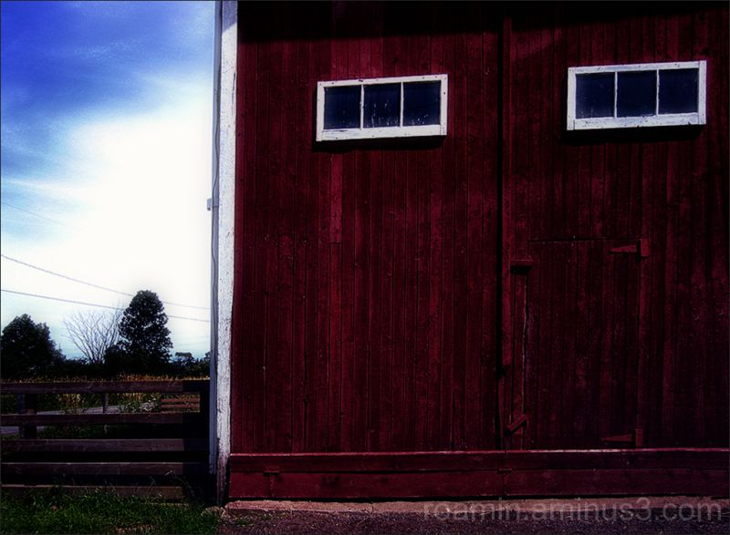 barn deatail structure red harvest fall autumn roa