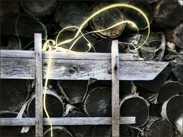 stacked woodpile light window aberrations roamin