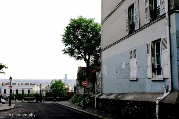 Rue sur la butte Montmatre