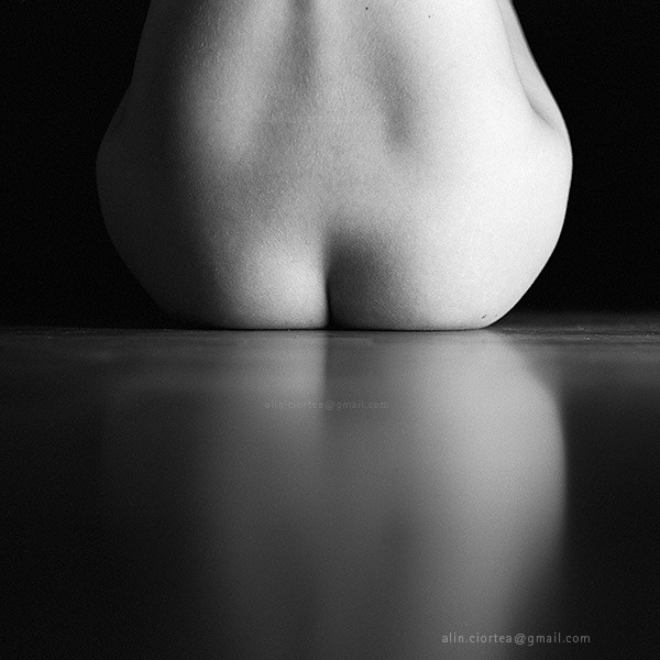 symmetry of a nude reflection