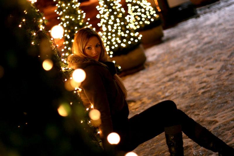 Night, winter, cold but warm street lights ...