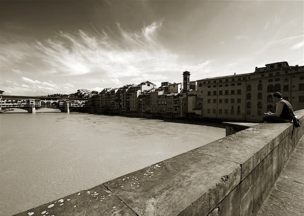 Firenze (Florence) ~ facing ponte vecchio