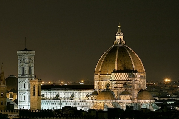 basilica di santa maria del fiore at night