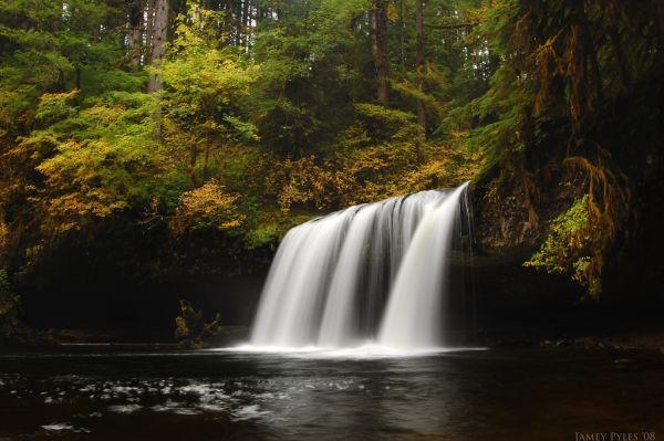 Upper Butte Creek falls, autumn