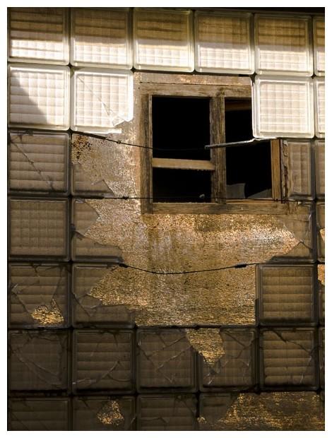 Window under window