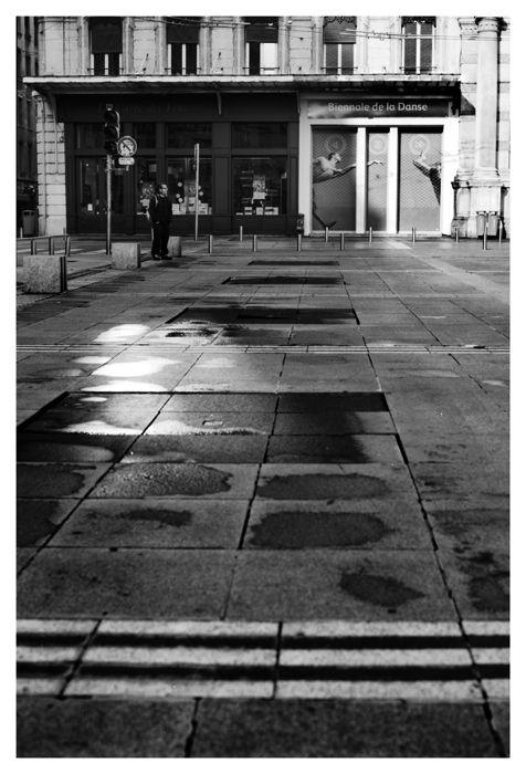 b&w street urban people city lyon