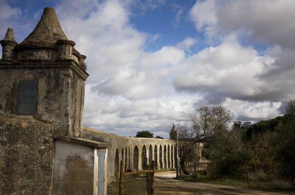 Évora aqueduct