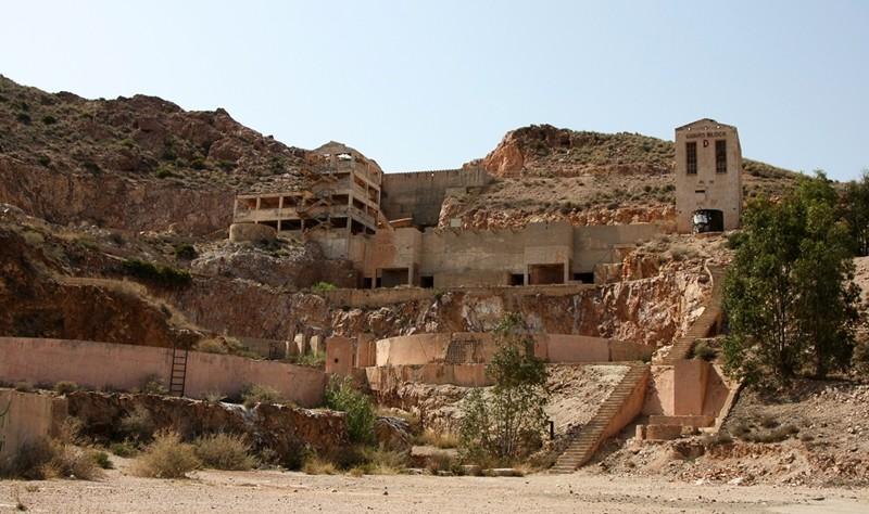 Vieja mina de oro abandonada en Almería
