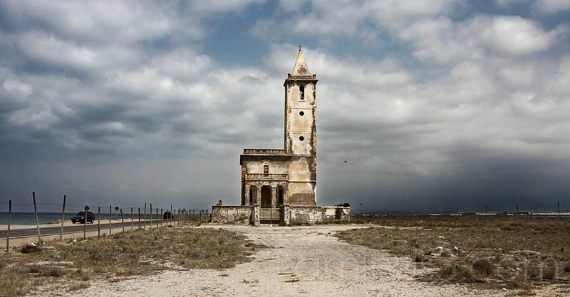 Iglesia en las salinas del Cabo de Gata (Almería)