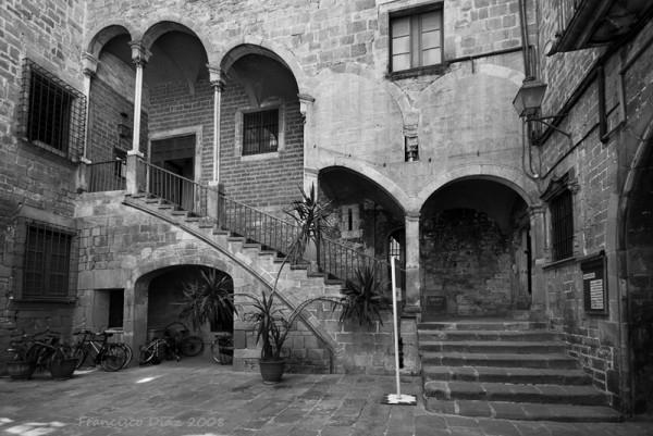 Patio gótico en Barcelona