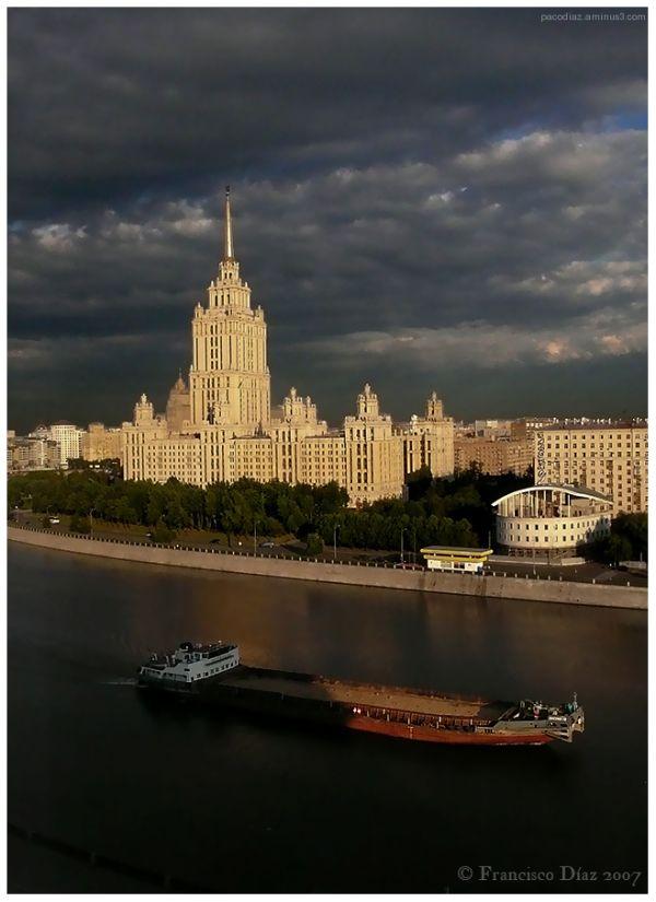 Hotel Ucrania, Moscú