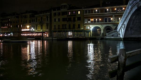 Venecia, Rialto, noche