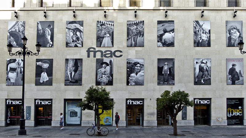 FNAC Sevilla - Documentary & Street Photos - FranciscoDiazPhotoblog