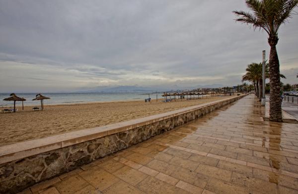 Domingo de lluvia en la playa