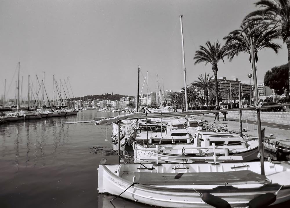 Paseo marítimo. Nikon FG