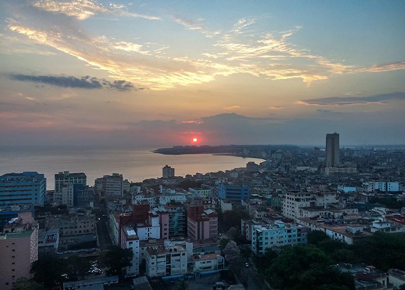 Amanecer en La Habana