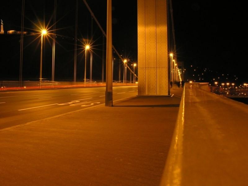 bridge reflexions at night