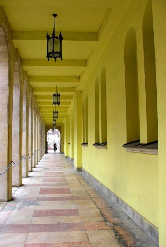 tunnel and columns