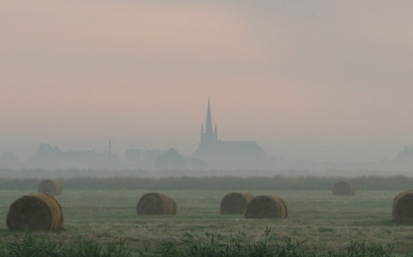 La cloche dans la brume