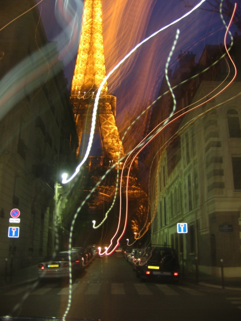 A road to Eiffel Tower