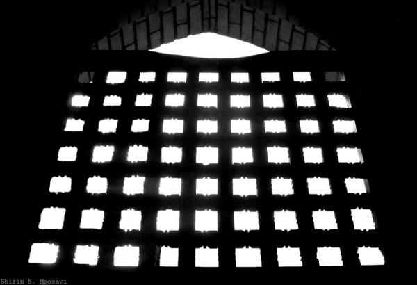 mono, silhouette, window, abyaneh, shirin moosavi