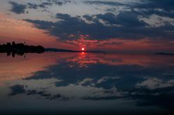 Levé du soleil et son reflet