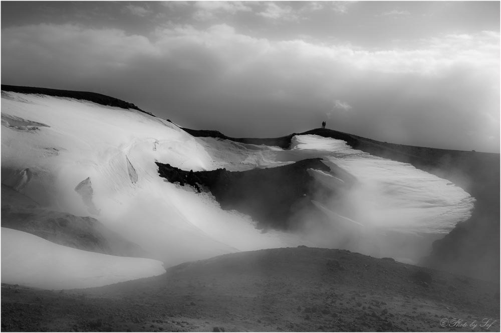 Sur les bords du cratère (2)