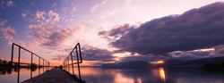 Passerelle sur le lac