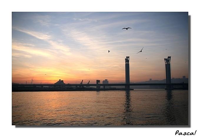 Couché de soleil sur le pont Falubert - Rouen