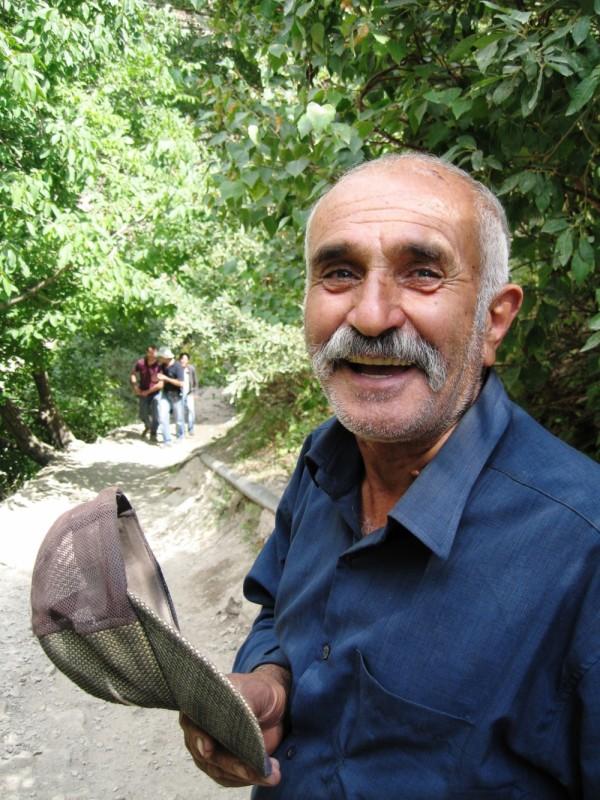 old man laugh sayehroshan toomaj