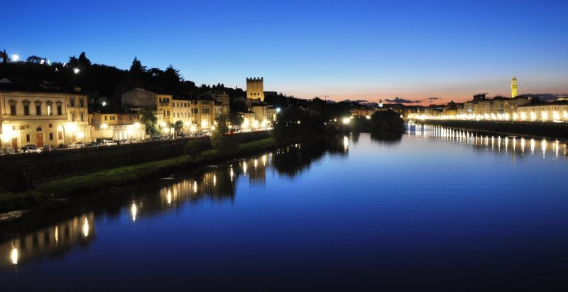 florence italy night arno river radius 1km