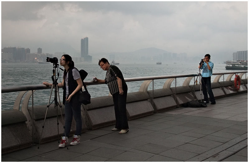 2 photo enthusiasts & a curious spectator...