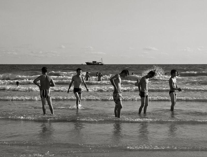 """""""yintan (silver beach) men"""""""