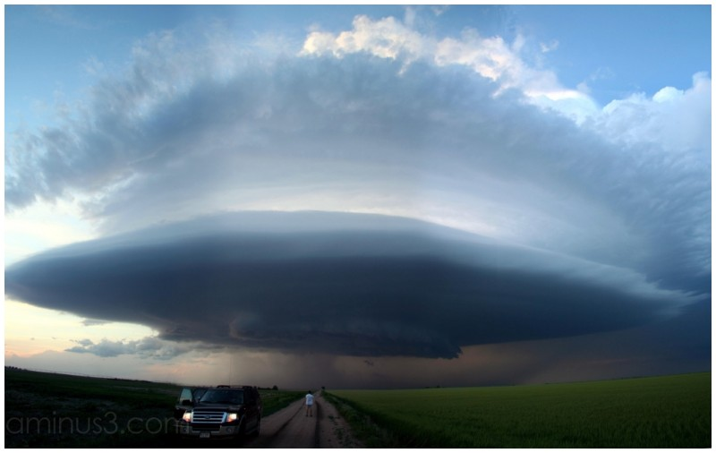 Supercell mothership panorama