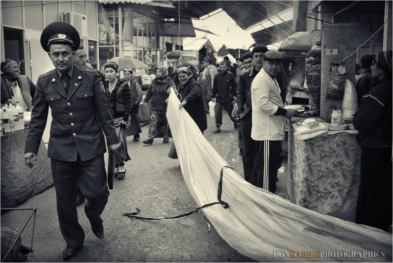 policya in Ashgabat marketplace