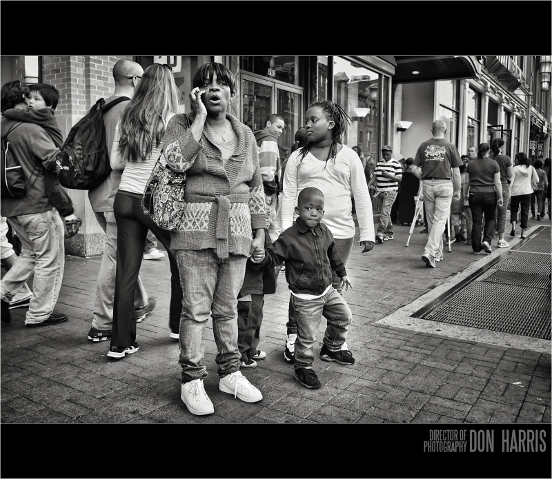 Mother and kids in Chinatown