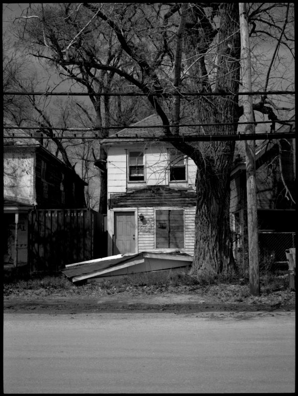 abandoned house - b&w photo
